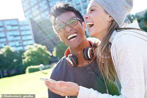 Cười - 'vũ khí' đối phó căng thẳng tinh thần