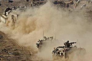 24h qua ảnh: Xe bọc thép Israel tập trận sát biên giới Syria