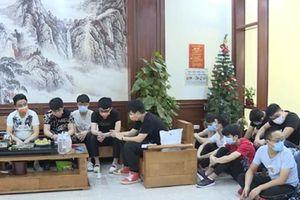 Thuê taxi đón 20 người Trung Quốc vượt biên vào Việt Nam