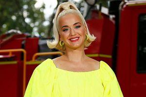 Katy Perry trải lòng về việc mang thai giữa mùa dịch