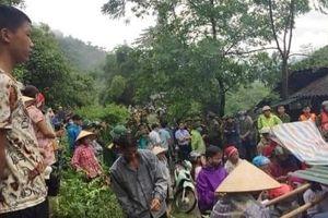 Ngủ trong lán trông gia súc, 2 vợ chồng ở Lào Cai bị núi lở đè tử vong
