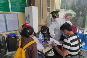 Hơn 200 du học sinh Lào trở lại Nghệ An học tập