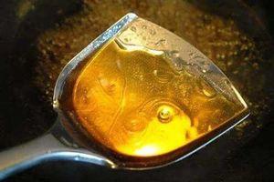 Nấu nước hàng cho đường vào trước sẽ đắng vô cùng, đây mới là 'bí quyết' đầu bếp giỏi thường áp dụng