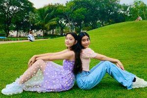 Cư dân mạng 'phát sốt' với nhan sắc bất chất cam thường của hai cô con gái nhà MC Quyền Linh