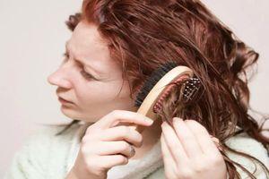 Chăm sóc tóc trước và sau khi bơi như thế nào?