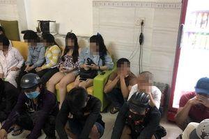 Phát hiện nhóm 'dân chơi' thác loạn ma túy trong khách sạn ở Sài Gòn
