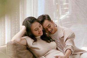 Cường Đô La – Đàm Thu Trang 'đốn tim' người hâm mộ bằng khoảnh khắc cực ngọt ngào