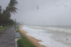 Lại xuất hiện vùng áp thấp trên Biển Đông, miền Bắc tiếp tục mưa to