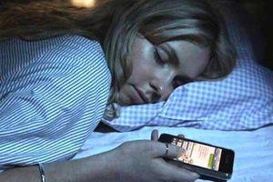 3 đồ vật thường được để ở đầu giường dễ gây ung thư, loại thứ nhất ai cũng mắc