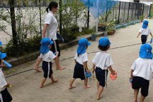 Lý do trẻ em Nhật Bản luôn đi chân trần khiến ai cũng tâm phục khẩu phục