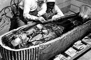 Khám phá ngôi mộ cổ với kho báu vô giá