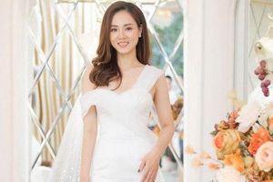 Bạn gái kém 15 tuổi của Công Lý bất ngờ khoe ảnh diện váy cưới