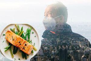 Phụ nữ lớn tuổi thường xuyên ăn cá giúp bảo vệ não khỏi sự lão hóa