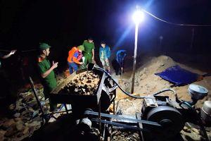 Hà Tĩnh: Đột kích mỏ vàng Moòng Coòng trong đêm, bắt giữ 2 nhóm đối tượng khai thác trái phép