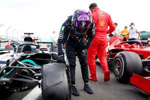 Pirelli phủ nhận tin đồn chất lượng sau hàng loạt sự cố nổ lốp tại chặng đua F1- GP Vương quốc Anh