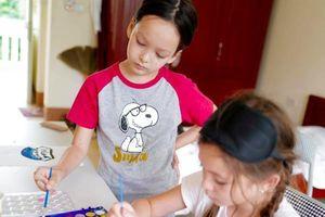 Hồng Nhung và 2 con sống vui vẻ trong khu cách ly sau khi trở về từ Mỹ