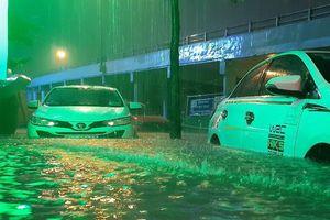 Tận dụng hệ thống an toàn trên ô tô cứu cánh cho mùa mưa