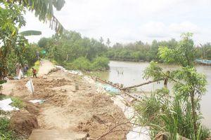 Tháo dỡ đập tạm sông Ba Lai gây sạt lở 150m lộ và đê bao