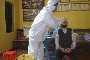 Chiều 8-8: Thêm 21 ca COVID-19, 1 nhân viên y tế bị lây nhiễm