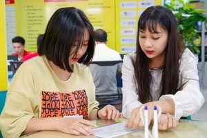 Nhiều thí sinh đăng ký xét tuyển học bạ trước khi thi tốt nghiệp THPT