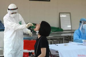 Hà Nội xét nghiệm PCR cho người dân trở về từ Đà Nẵng