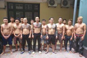 Triệu tập thêm hàng loạt đàn em của 'giang hồ mạng' Phú Lê