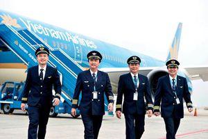 Trước dịch COVID-19, lương phi công của các hãng hàng không Việt thế nào?