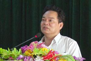 Miễn nhiệm một Phó chủ tịch huyện do xảy ra nhiều vi phạm