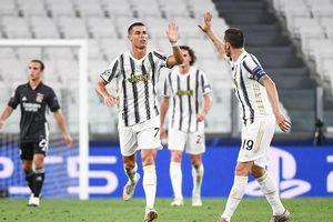 Ronaldo lập cú đúp, Juventus vẫn dừng bước ở Champions League