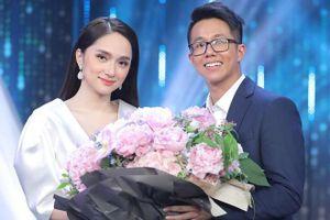 'Người ấy là ai' ngập tràn nước mắt, Hương Giang chính thức trao hoa cho CEO Matt Liu