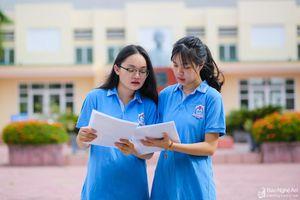 Đôi bạn thân cùng lớp giành thủ khoa 'kép' vào Trường Phan Bội Châu