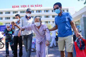 Nhiều bệnh nhân ra viện sau khi Bệnh viện C Đà Nẵng được gỡ phong tỏa