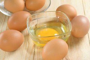 Sai lầm chết người khi ăn trứng gà sống