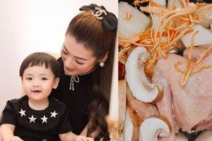 Chuẩn mẹ bỉm giàu có, Á hậu Tú Anh dùng 'vàng mềm' Tây Tạng làm nước nấu cháo cho con