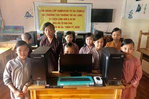 Tặng 10 máy vi tính cho Mái ấm Từ Ân