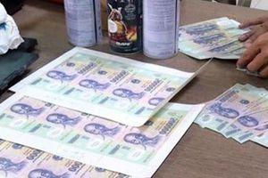 Cảnh giác thủ đoạn dùng tiền giả mua hàng để lấy lại tiền thừa trên địa bàn Phú Quốc
