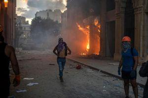 Lebanon: 10.000 người giận dữ chiếm hàng loạt trụ sở các bộ