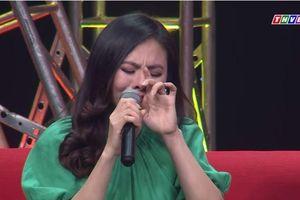 Vân Trang bật khóc sau 4 năm ngừng diễn chăm sóc con