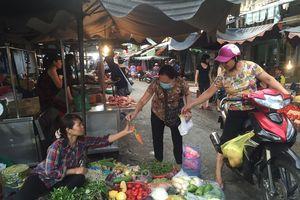 Giá rau ở chợ tăng, siêu thị ổn định