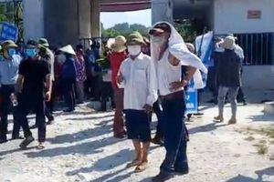 Dân phản đối trại heo gây ô nhiễm, lãnh đạo huyện họp khẩn