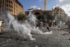 Cảnh sát đụng độ người biểu tình ở Lebanon