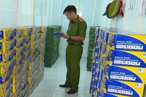 Phát hiện xe tải chở hàng trăm thùng bia nhập lậu