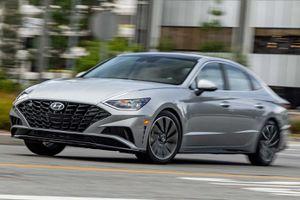 Đánh giá Hyundai Sonata 2020 - cuốn hút nhờ cảm xúc