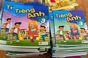 Thu giữ 4.000 sách giáo khoa giả mạo Nhà xuất bản Giáo dục