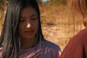 Cảnh lãng mạn trong phim về đời phụ nữ chửa hoang