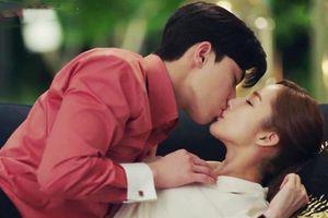 Cảnh hôn của Park Min Young, Park Seo Joon đạt 100 triệu lượt xem