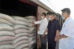 Triều Tiên mang hàng viện trợ đến thị trấn bị phong tỏa Kaesong
