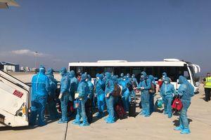 Người Việt Nam từ Saudi Arabia và CH Síp về nước, hạ cánh ở Cần Thơ