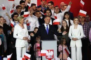 Ba Lan nói lấy lại Crimea giúp Ukraine : Warsaw đang giúp Washington?