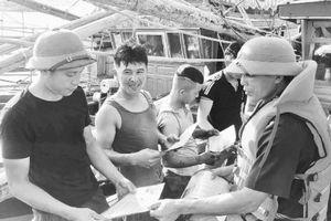 Quảng Bình giúp ngư dân khai thác thủy sản an toàn trên biển